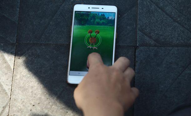 Pokémon Go -pelissä on samat hahmot, jotka seikkailevat animesarjassa ja Nintendon peleissä. Ensimmäinen Pokémon-peli Nintendon Game Boylle julkaistiin vuonna 1996.