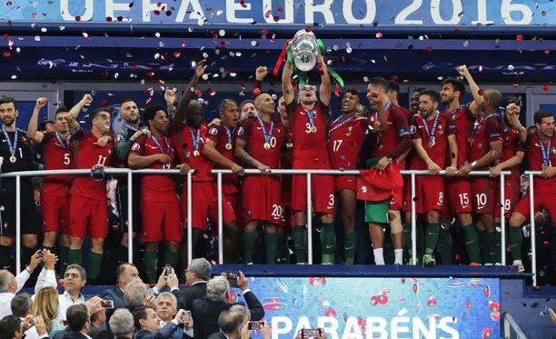 EM-kisat päättyivät Portugalin juhliin.