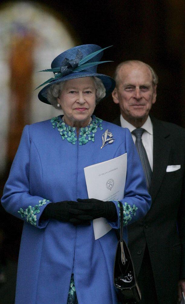 Kuningatar ja prinssi Philip tuntuvat olevan lähes iättämiä.