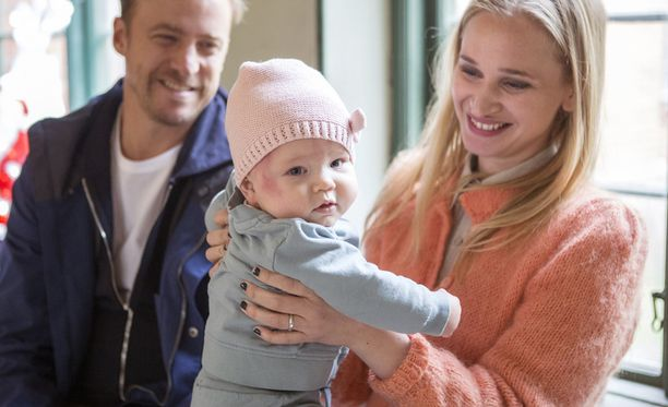 Bonusperhe on ollut kotimaassaan Ruotsissa niin suosittu, että siitä on tilattu jo kolmaskin tuotantokausi.
