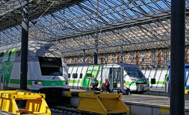 Helsingin päärautatieasema säilyy edelleen VR:n omistuksessa.