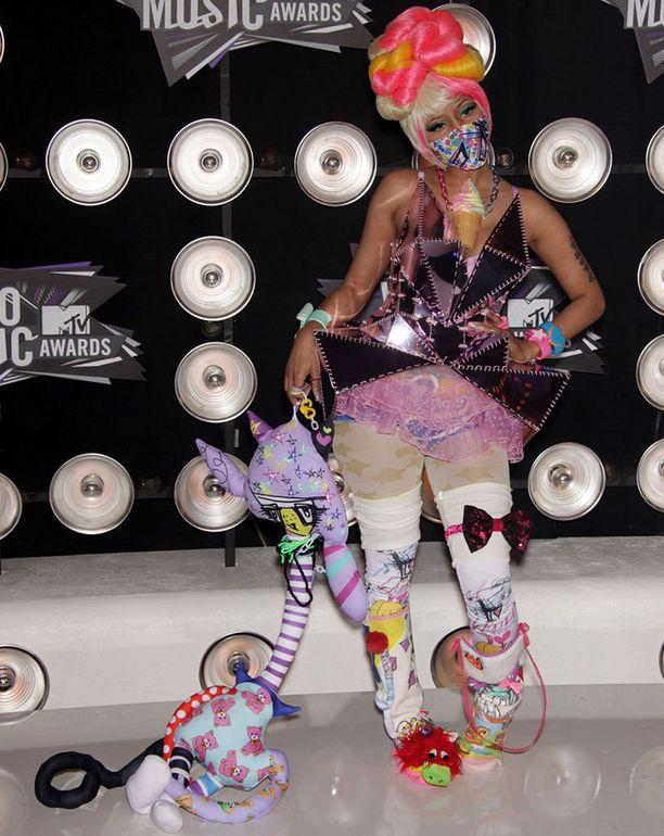 Nicki Minajn juhlaeleganssia parin vuoden takaa.