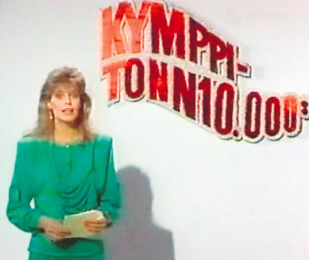 Kansan suosikki Riitta Väisänen juonsi Kymppitonni-visailuohjelmaa kahdenkymmenen vuoden ajan. Kuva on vuodelta 1988.