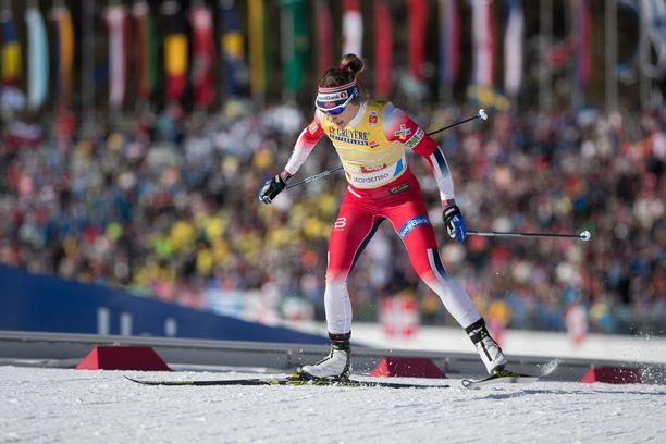 Maiken Caspersen Falla voitti sprintin MM-kultaa.