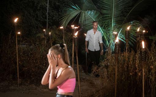 TIS: Jape latasi viimeisellä iltanuotiolla täyslaidallisen Mattun käytöksestä – näin pari lähti viettelysten saarelta