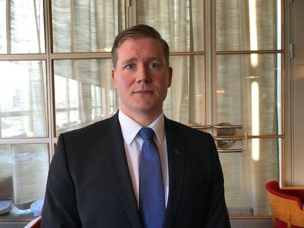 Suomen poliisijärjestöjen liiton puheenjohtaja Jonne Rinne on huolissaan poliisin resurssitilanteesta.