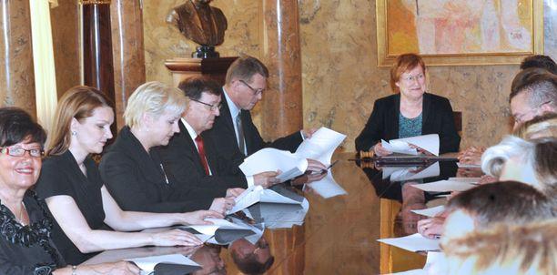 Halonen nimitti tänään uuden hallituksen.