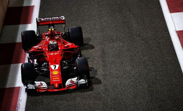 Kimi Räikkönen jäi Abu Dhabin aika-ajossa viidenneksi.