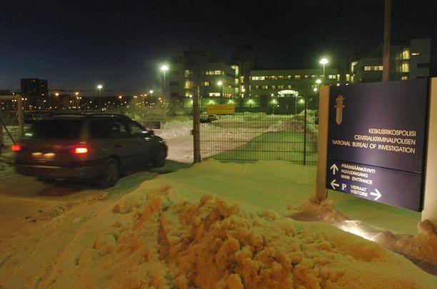 Epäilty salakuuntelu tapahtui Vantaalla KRP:n 4. kerroksen kuulusteluhuoneessa joulukuussa 2013.