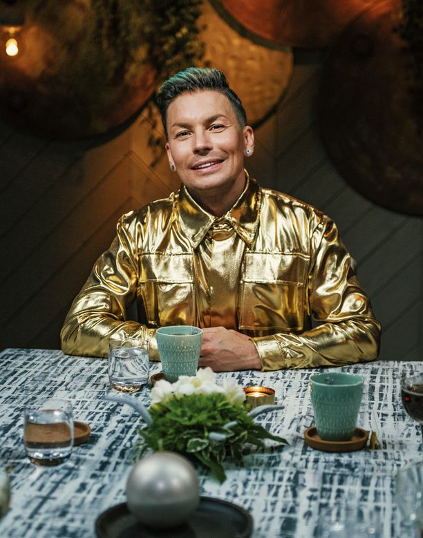 Perjantaina Vain elämää -ohjelmassa kuultiin uusia versioita Antti Tuiskun hiteistä.