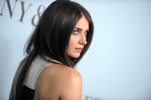 Näyttelijä Eve Hewson on U2-yhtyeen keulakuva Bonon tytär.