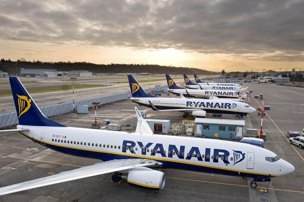 Halpalentoyhtiö Ryanairin henkilökunta menee perjantaina lakkoon viidessä Euroopan maassa, mutta lakko ei vaikuta lentoihin Tampereelta ja Lappeenrannasta.