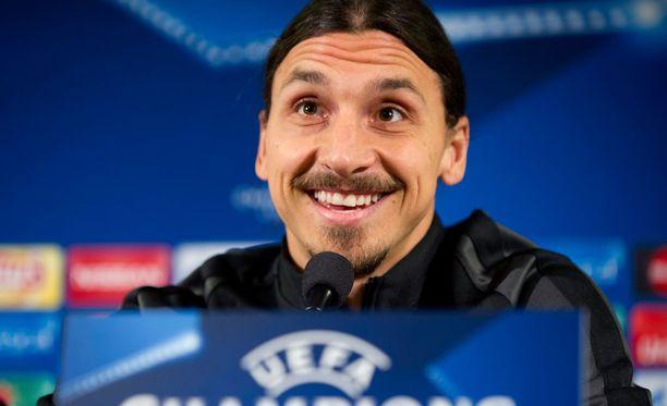 Zlatan jutteli medialle mukavia Malmö-peliä edeltävässä lehdistötilaisuudessa.