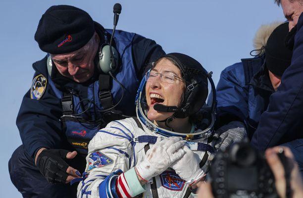 Astronautti Christina Koch laskeutui Kazakhstanin syrjäseudulle viime viikolla oltuaan avaruudessa 11 kuukautta.