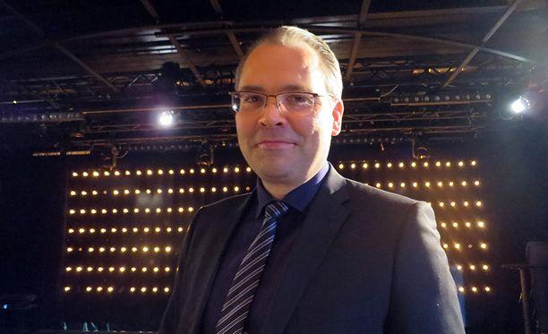 Tulin mielelläni puhumaan Ylen Perjantai–ohjelmaan puolustuksesta, puolustusministeri Jussi Niinistö (sin) sanoi.