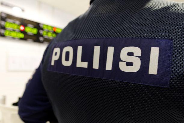 Oulun poliisi sai sunnuntain aamuyöllä hälytyksen. Paikalta löytyi kuollut nainen. Arkistokuva.
