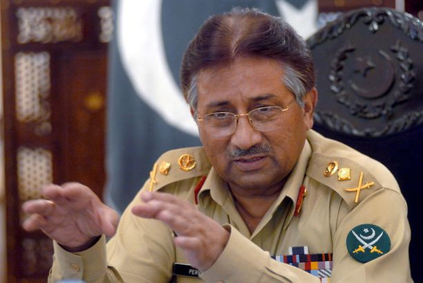 Kenraali Pervez Musharraf kaappasi Pakistanissa vallan vuonna 1999. Hän on maan historian ensimmäinen sotilasjohtaja, joka sai syytteen maanpetoksesta.