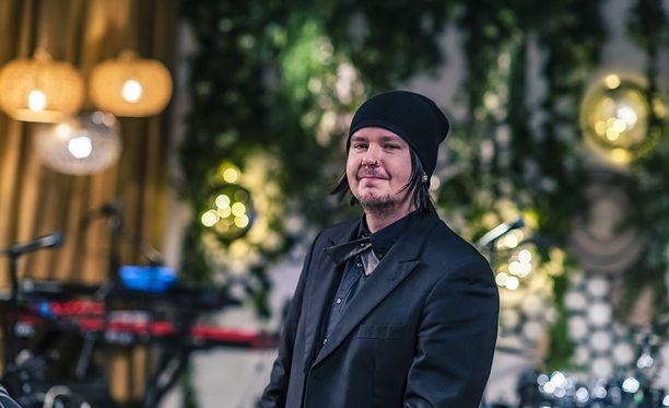 Aki Tykki lauloi hienosti Dannyn Kauan-hitin.