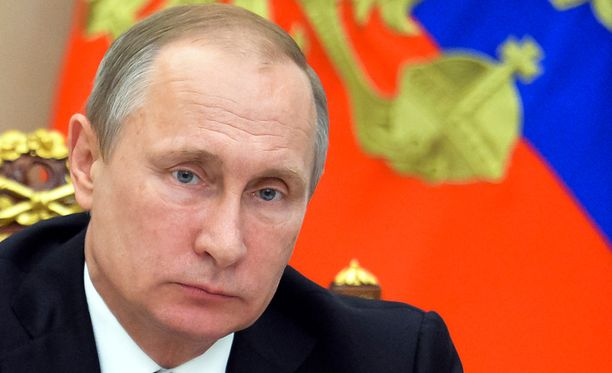 Vladimir Putin antoi potkut hallintonsa päällikölle.