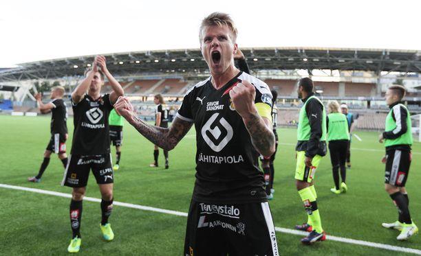 Petteri Pennanen pelaa noususta Puolassa.