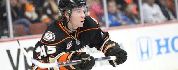 Sami Vatanen oli mukana Anaheimin voittomaalissa.