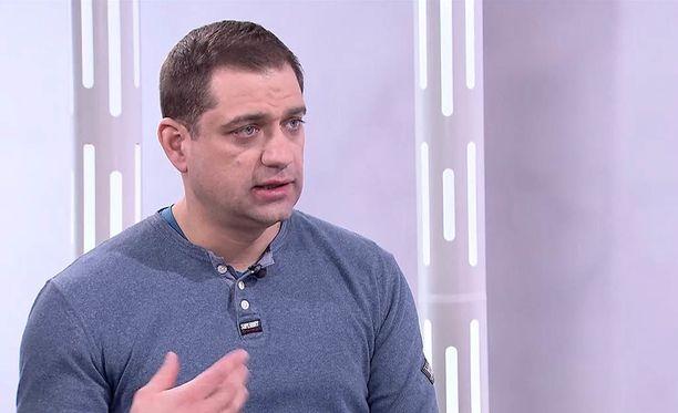 A-klinikkasäätiön johtava ylilääkäri Kaarlo Simojoki kertoo Sensuroimaton Päivärinta -ohjelmassa metamfetamiinin haittavaikutuksista.