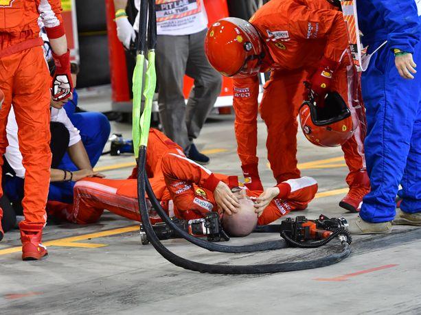 Francesco Cigarini jäi onnettomuuden jälkeen makaamaan tuskissaan.