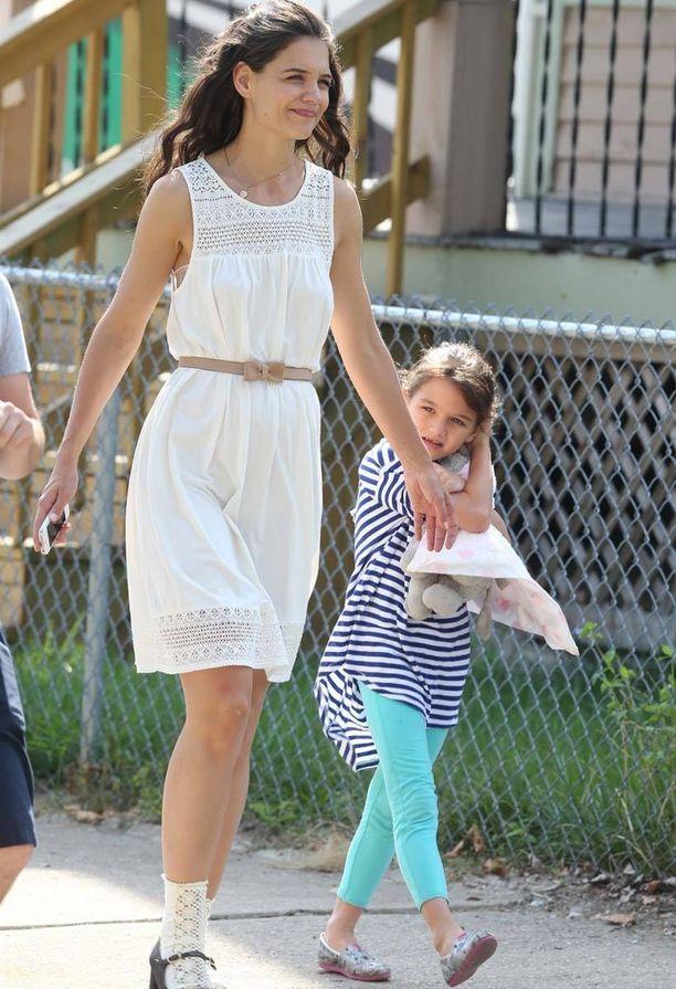 Omena ei kauas puusta pudonnut. Näyttelijä Katie Holmes ja Suri-tytär.