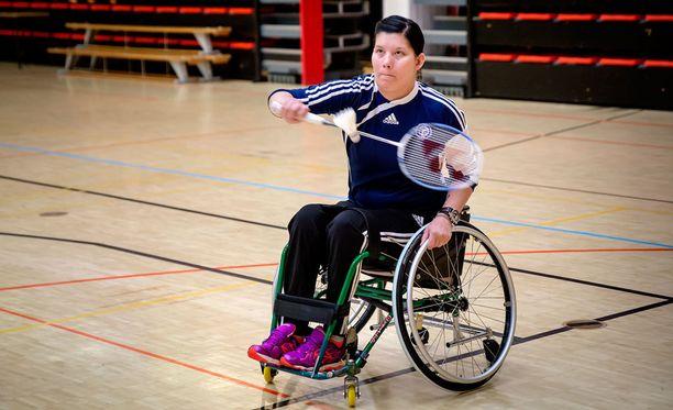 Heidi Foxell treenaa monia eri urheilulajeja.
