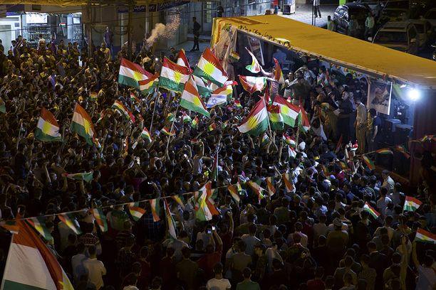 Kansa juhli kaduilla äänestysiltana ympäri Irakin kurdialueita.