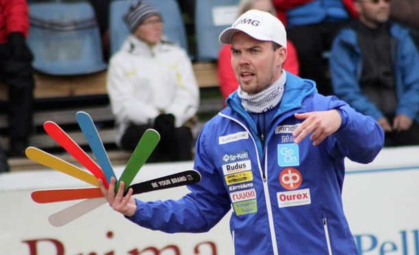 Vimpelin pelinjohtaja Sami-Petteri Kivimäki toivoo tuomareilta pelinlukutaitoa.