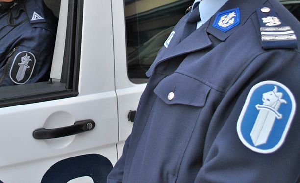 - Myös sinulla on vastuu kaupankäynnissä, poliisi muistuttaa.