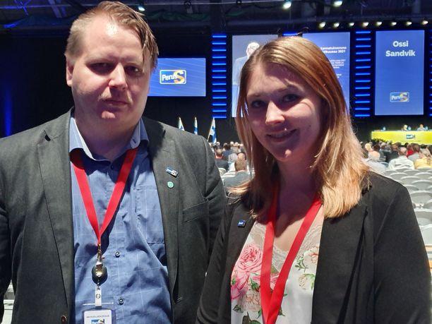 PS-nuorten hallituksen jäsenet Antti Eskelinen, 27, ja Jasmin Määttä, 27, osallistuvat emopuolueen puoluekokoukseen Tampereella.