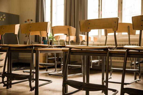 THL:n selvityksen mukaan koulujen sulkemisella ei ollut merkittävää vaikutusta lasten koronatartuntojen määrään. Kuvituskuva.