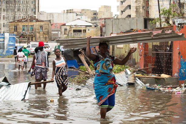 Hirmumyrsky iski pahiten Beiran kaupunkiin Mosambikissa.