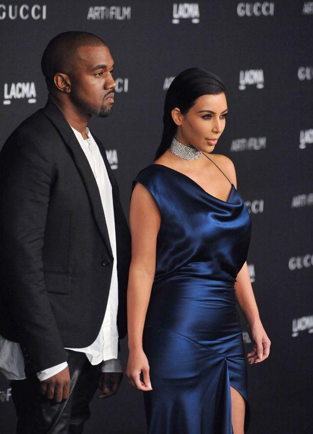 Kim Kardashian ja Kanye West alkoivat tapailemaan 2012. He avioituivat vuonna 2014.