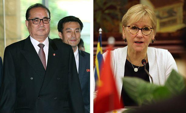 Pohjois-Korean ulkoministeri Ri Su-Yong ja Ruotsin ulkoministeri Margot Wallström tapaavat.