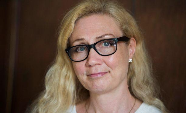 Mikkelissä Anneli Auerin kirjatilaisuudet aiotaan peruuttaa maanantaina. Jyväskylän kauppakeskus Forum puolestaan ei aio perua Auerin kanssa sovittua tilaisuutta.