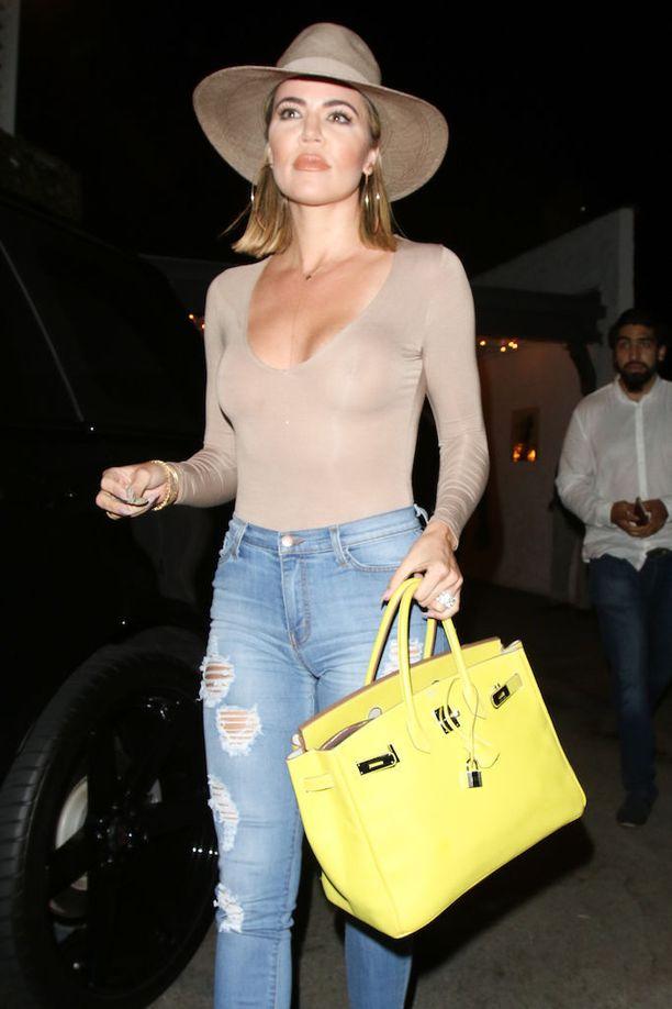 Ihonmyötäiset bodyt lukeutuvat Khloe Kardashianin lempivaatteisiin.