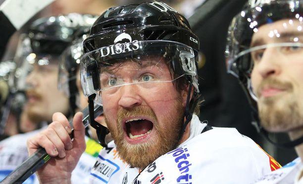 Kärppien Jari Sailio on äänekäs pelaaja.