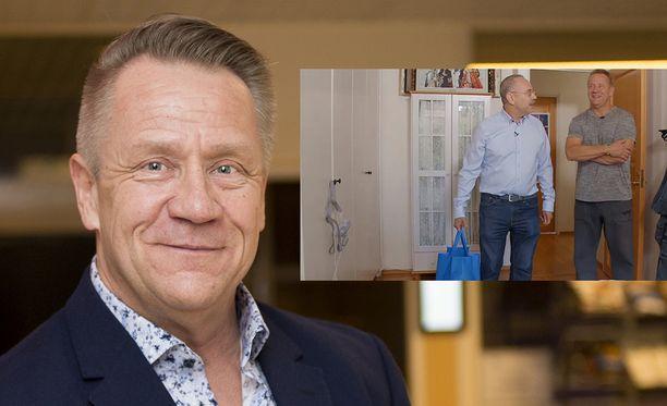 Olli Lindholm ei halunnut käyttää CPAP-laitetta, joka riippui vaatekaapin ovessa.