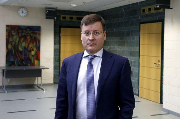 Asianajaja Kaarle Gummerus edustaa Turun puukotuksista syytettyä Abderrahman Bouananea. Arkistokuva.