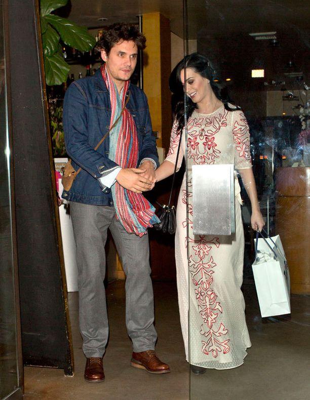 Kuinka kauan on Katy Perry ja John Mayer seurustellut