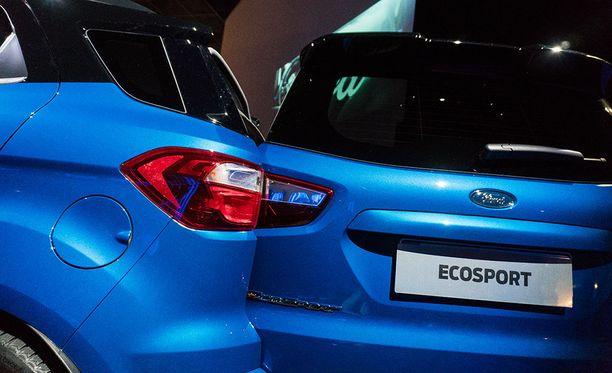 Uuden Ford EcoSportin tavaratilan luukku aukeaa poikkeuksellisesti sivusuunnassa.