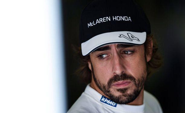 Fernando Alonso harmittelee kadotettuja vuosia.