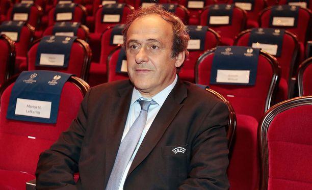 Michel Platini ei luovuta.