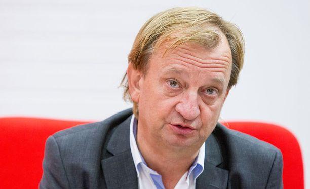 Hjallis Harkimo kritisoi maanantaina MM-kisoista pois jääneitä NHL-pelaajia.