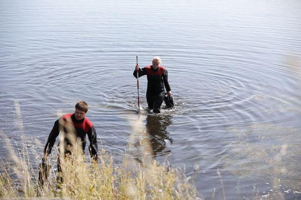 Sukeltajat nostivat Kim Wallin ruumiinosat viime syksynä yksitellen merestä. Ruumiinkappaleiden löytyminen oli merkittävä tekijä oikeusprosessin onnistumisessa.