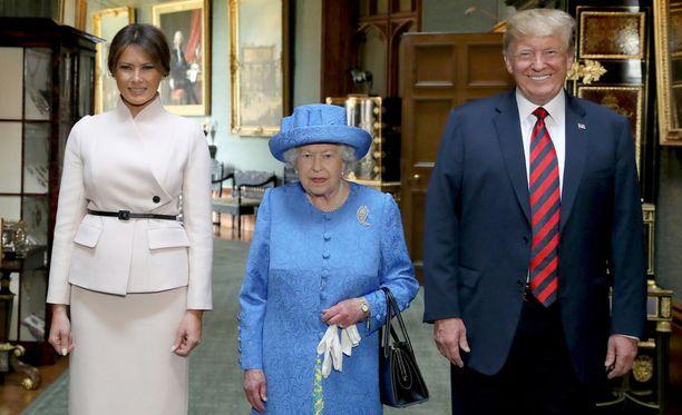 Yhdysvaltain presidenttipari tapasi kuningatar Elisabetin viime perjantaina.