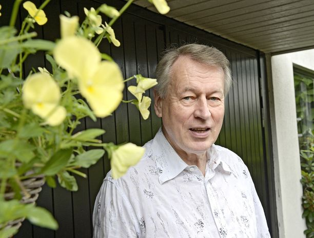 Urpo Martikainen tutustui Anna-Kaisa Hermuseen jo 1970-luvulla.